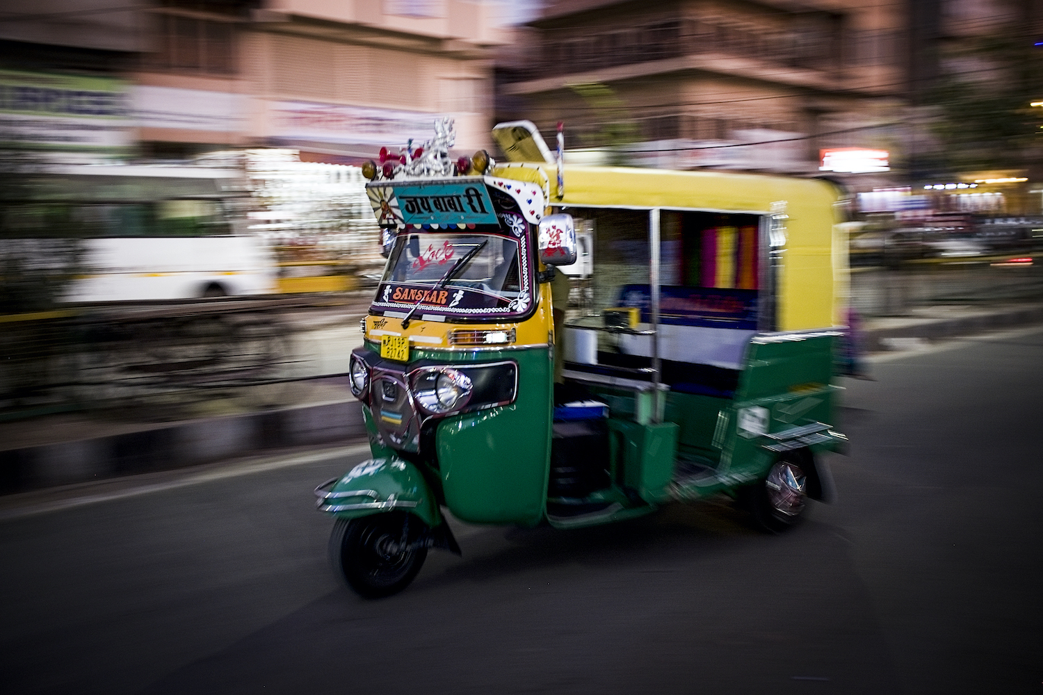 Laurie Cohen from Photo Workshop Adventures will be taking part in the April, 2021 Rickshaw Run from Cochin to Jaisalmer